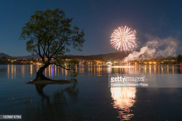 fireworks in wanaka, new zealand. - otago region stock pictures, royalty-free photos & images