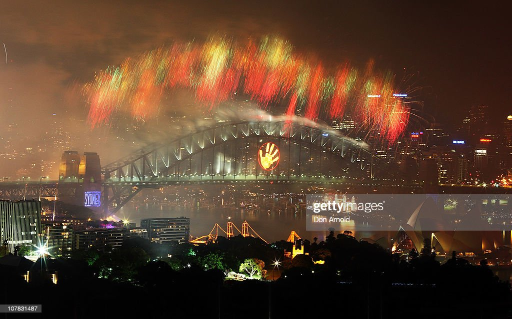 Fireworks light up Sydney Harbour at the stroke of midnight to welcome in the year 2011 on January 01, 2011 in Sydney, Australia.