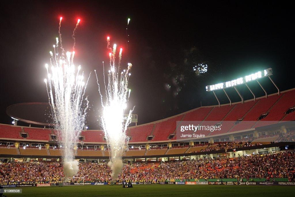 Chivas de Guadalajara v Club América : Fotografía de noticias