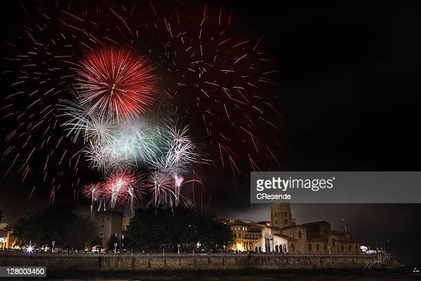 fireworks show in gijon festival - ヒホン ストックフォトと画像