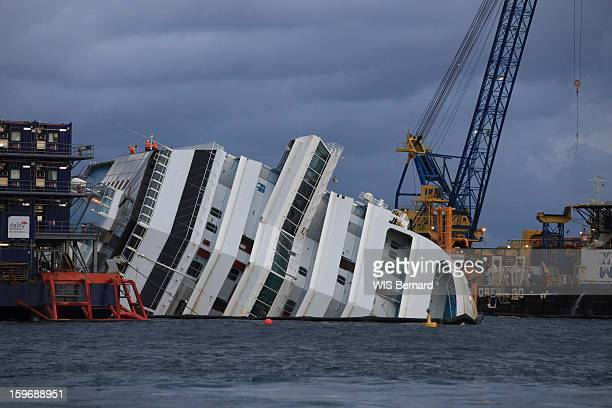 First anniversary of the sinking of the cruise ship Costa Concordia in Italy off the island of Giglio (32 victims) , the wreck on January 13, 2013.