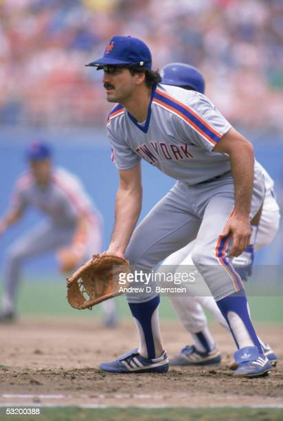 First baseman Keith Hernandez of the New York Mets stand ready as he field his position during a circa 19831987 against the Los Angeles Dodgers at...