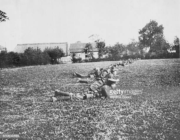 First Battle Ypres, 2nd Scots Guards supported by Gordon Highlanders towards Gheluvelt. .