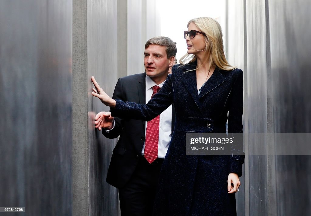 First Daughter and Advisor to the US President Ivanka Trump (R) visits the Holocaust memorial with director of the memorial Uwe Neumaerker (L) during her visit on April 25, 2017 in Berlin. / AFP PHOTO / POOL / Michael Sohn