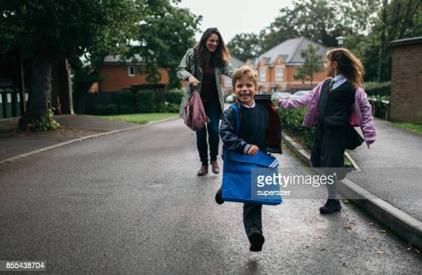 first day of school - single mother stock pictures, royalty-free photos & images
