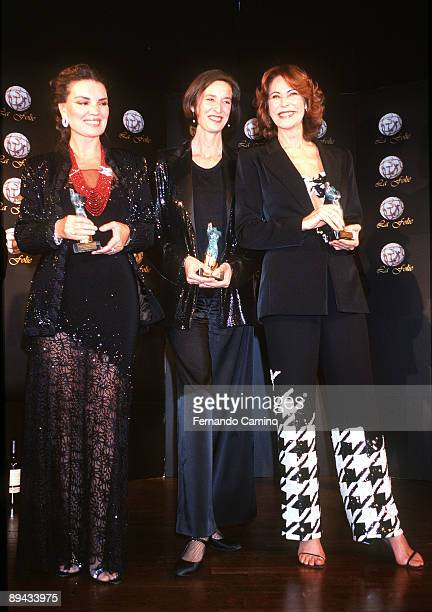 First delivery of prizes Folie to the feminine elegance 2001 Maria Jose Cantudo Paola Dominguin and Paquita Torres was the winners of this first...
