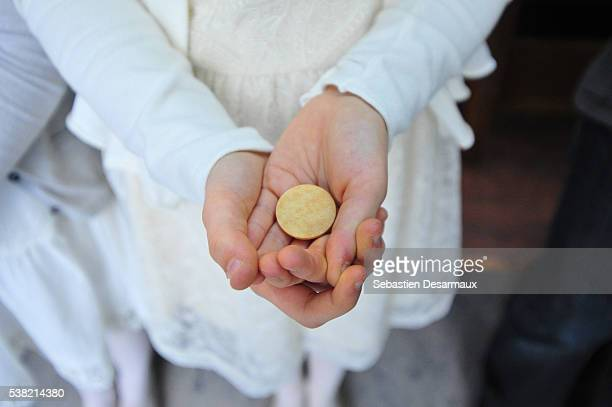 first holy communion - communion stock pictures, royalty-free photos & images