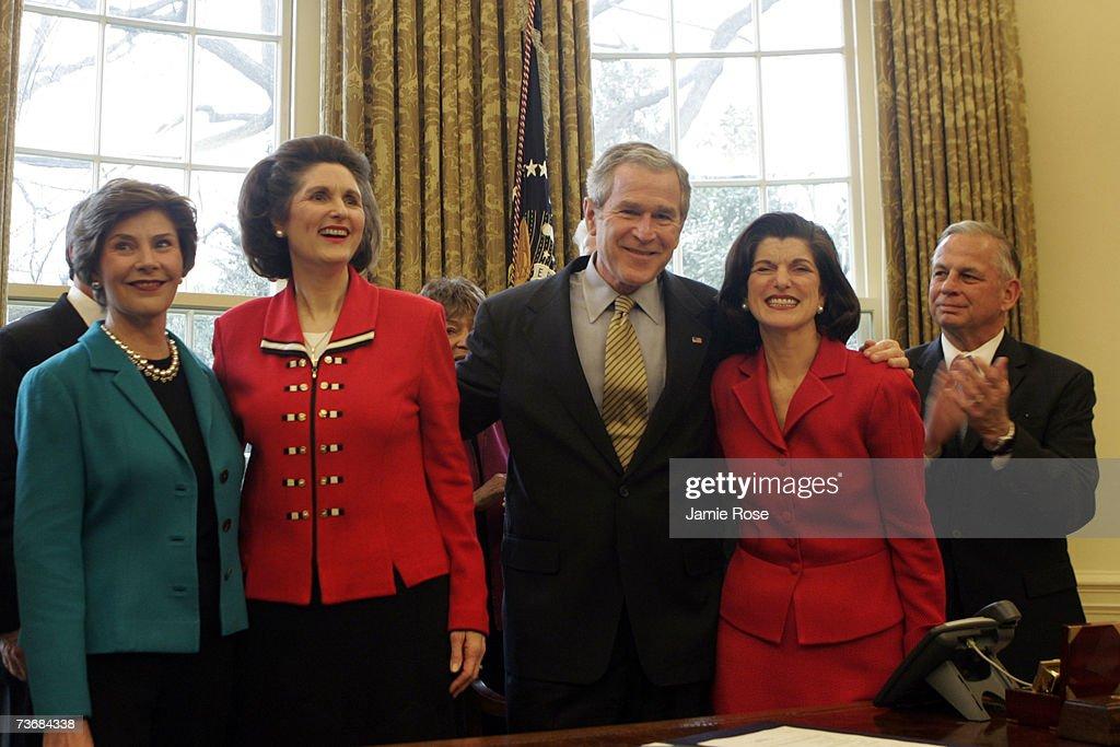 First Lady Laura Bush Lynda Bird Johnson Robb President