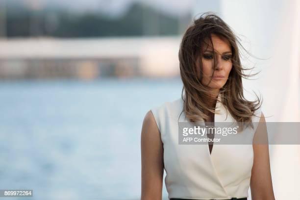 US First Lady Melania Trump visits to the USS Arizona Memorial on November 3 at Pearl Harbor in Honolulu Hawaii / AFP PHOTO / JIM WATSON