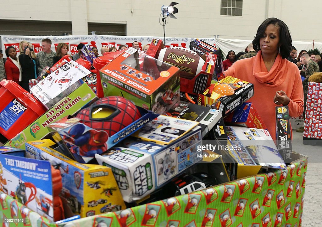 Michelle Obama Distributes Toys And Gifts At Joint Base Anacostia-Bolling : News Photo