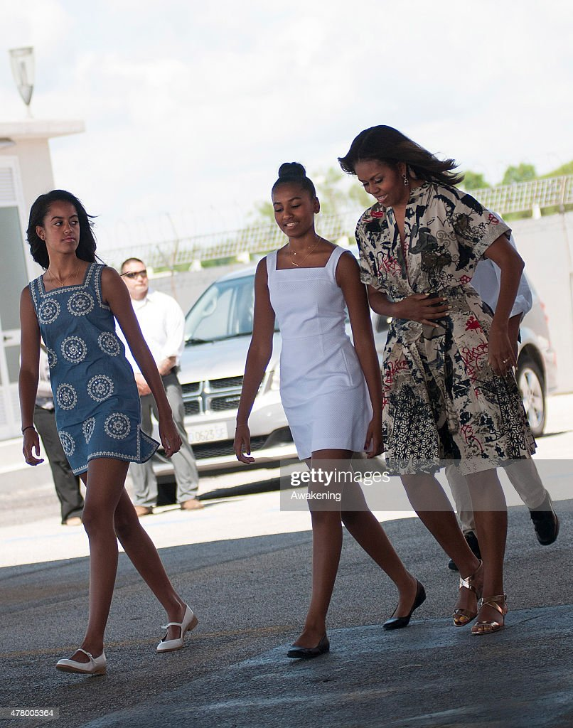 First Lady Michelle Obama Departs From Venice : News Photo