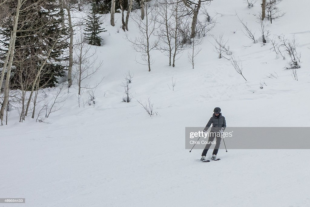 U.S. First Lady Skis In Aspen : News Photo