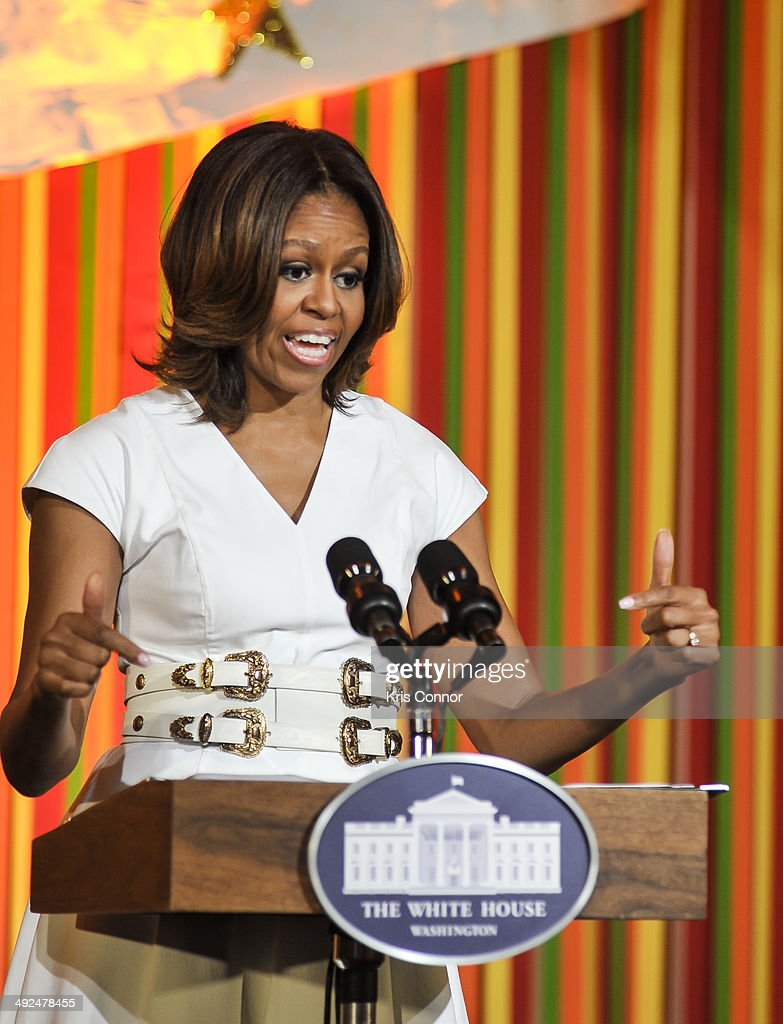 White House Talent Show featuring Michelle Obama, SJP Making Turnaround Arts Announcement. : News Photo