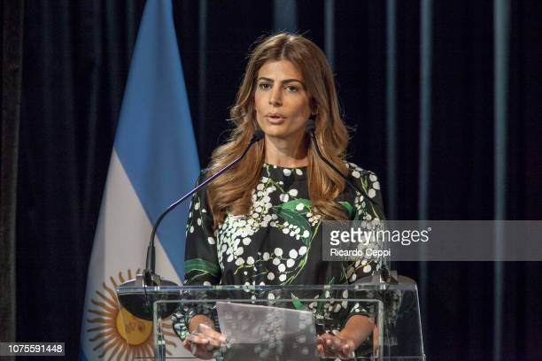 First Lady of Argentina Juliana Awada speaks during a guided visit to MALBA as part of G20 Partners' Programme on December 01, 2018 in Buenos Aires,...