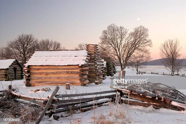 first light on cabins - american troops at valley forge stock pictures, royalty-free photos & images