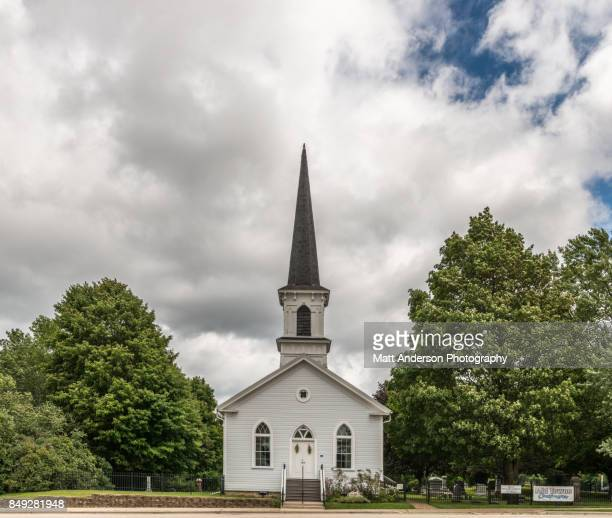 first lutheran church 2 - kirche stock-fotos und bilder