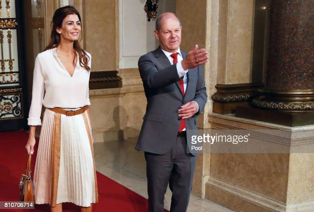 First Mayor of Hamburg Olaf Scholz welcomes Juliana Awada wife of President of Argentina Mauricio Macri during the partner program of G20 summit at...