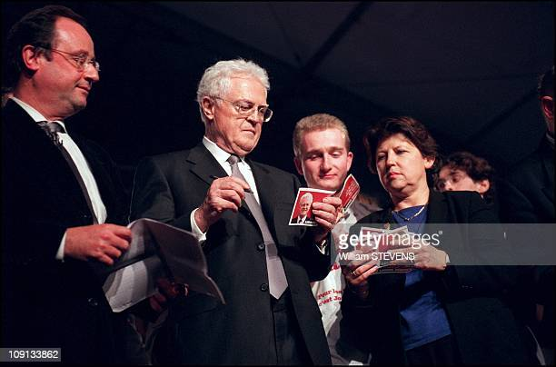 First Meeting Of Presidential Candidate Lionel Jospin In Lille On July 3Rd 2002 In Lille France Hollande Jospin Aubry