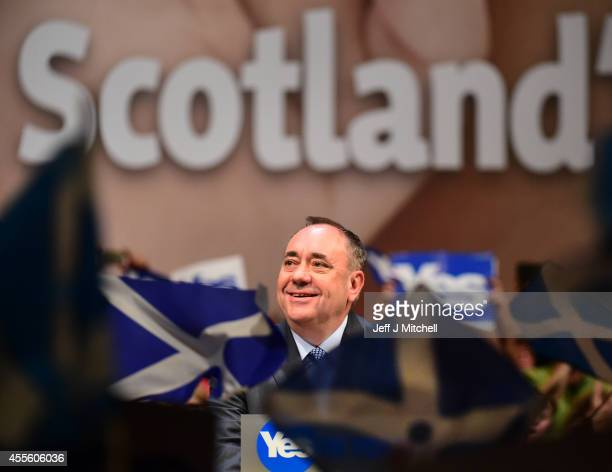 First Minister Alex Salmond addresses supporters at a rally on September 17 2014 in Perth Scotland The referendum debate has entered its final day of...