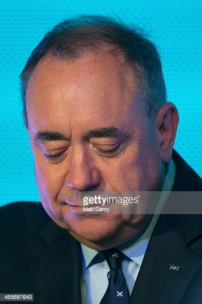 First Minister Alex Salmond delivers a speech to supporters at Our Dynamic Earth on September 19 2014 in Edinburgh Scotland The majority of Scottish...