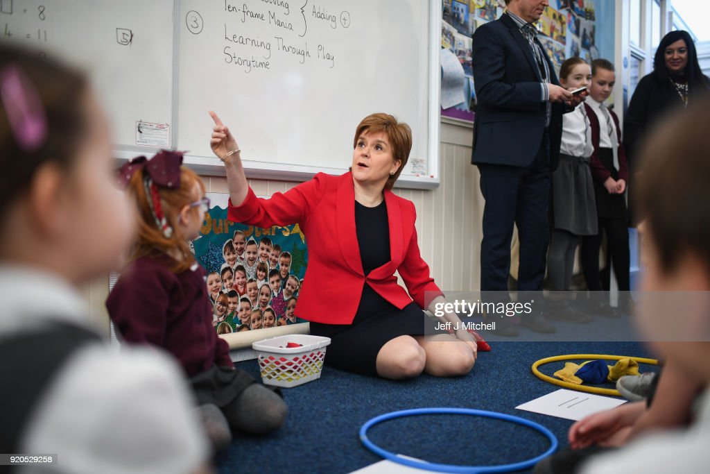 Nicola Sturgeon Visits Primary School