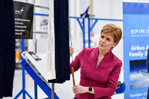 GBR: First Minister Visits Major New Manufacturing Company
