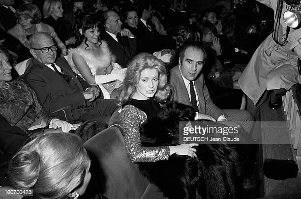 First Of The Film 'benjamin Or Memories Of A Virgin' By Michel Deville Paris 11 janvier 1968 Lors de la première du film 'Benjamin ou les Mémoires...