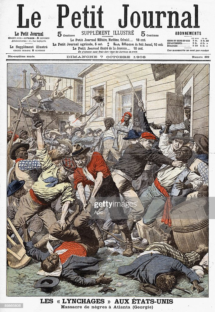 First page of the newspaper Le Petit Journal Sunday 7 October 1906 : News Photo