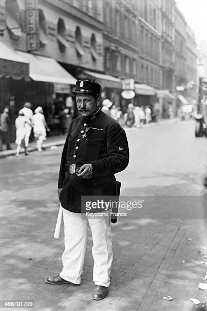 First Paris policeman wearing white pants during summertime as Italian or British policemen do in July 1929 in Paris France