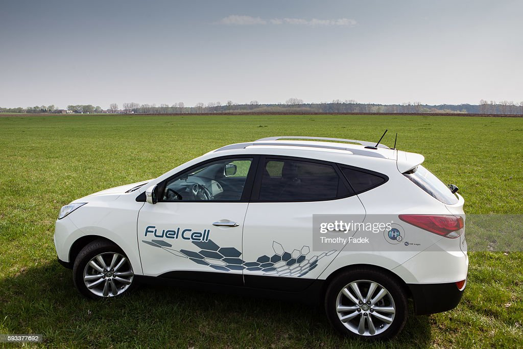 Business - Hyundai Hydrogen fuel cell cars Pictures | Getty Images