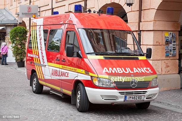 first responder ambulance, innsbruck, austria - responder stock pictures, royalty-free photos & images