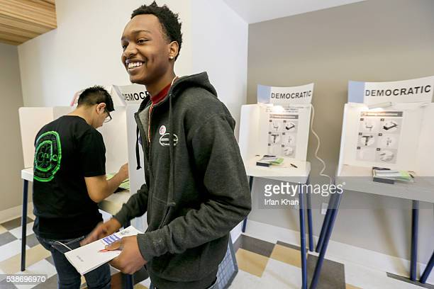 First time voter 19yearold DeAntoine Wade votes in California primary at Douglas F Dollarhide Community Center on Tuesday morning June 07 2016 in...