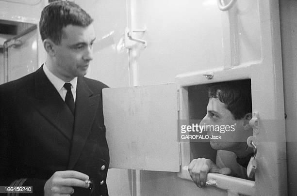 First Transatlantic Crossing Of The Liner 'France' Février 1962 première traversée transatlantique du paquebot 'France' Ici vu de profil un passager...