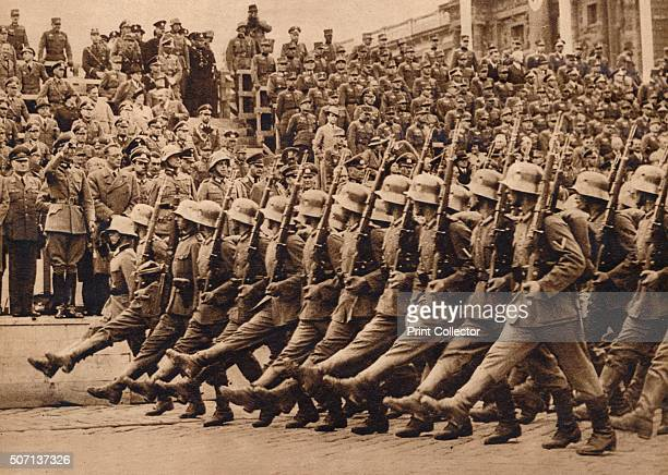 First troops to reach Vienna were the 1st Division of the 8th German Army Corps' Austria was invaded by the Third Reich on 12 March 1938 From These...