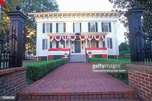 """?first white house? for confederates in montgomery, alabama"" - montgomery alabama stock pictures, royalty-free photos & images"