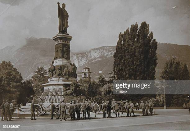 First World War 19141918 Soldiers of the kuk Army in front of the Dante monument in Trento Trentino About 1916 Photograph