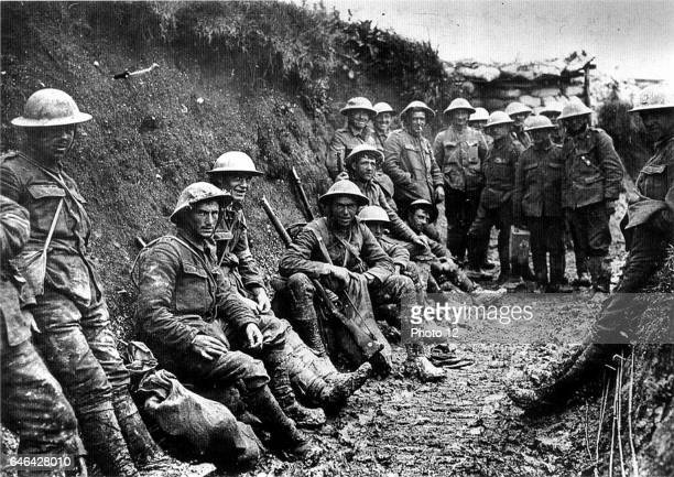 Royal Irish Rifles in a communication trench on the first day of the Battle of the Somme l July 1916