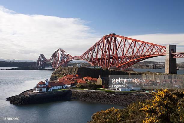 Puente de tren Firth of Forth en Edimburgo Escocia