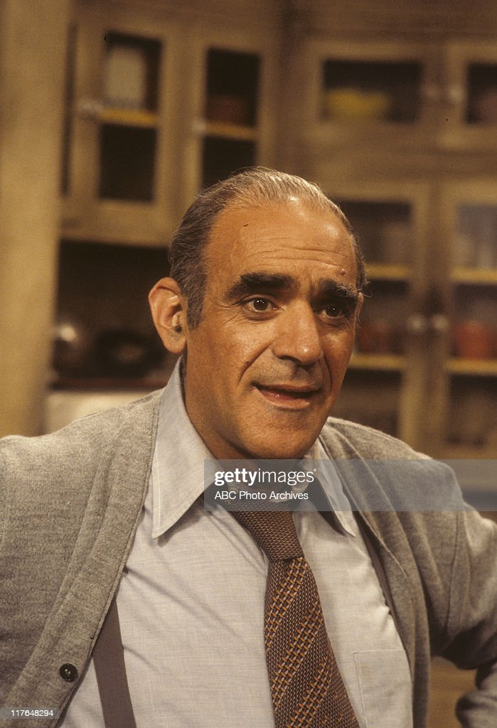 ABE VIGODA : News Photo