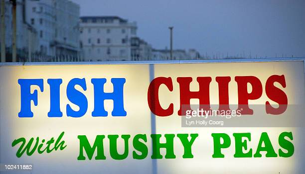 fish and chips neon sign - lyn holly coorg stock-fotos und bilder