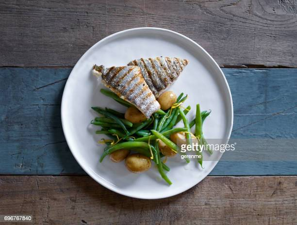fish dish - mackerel stock pictures, royalty-free photos & images