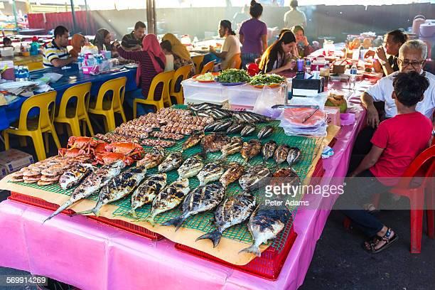 fish, night food market, kota kinabalu, sabah - kota kinabalu stock pictures, royalty-free photos & images