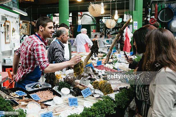 fish stall - borough market stock pictures, royalty-free photos & images