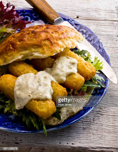 fish stick sandwich with tartar sauce - western europe stock pictures, royalty-free photos & images