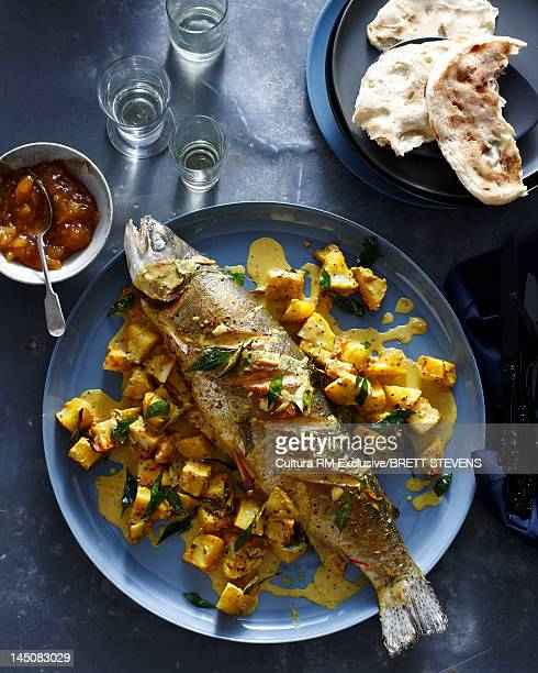 Fish with potatoes and curry sauce