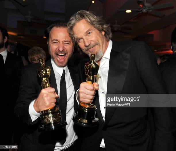 Fisher Stevens and Jeff Bridges attends the 2010 Vanity Fair Oscar Party hosted by Graydon Carter at the Sunset Tower Hotel on March 7, 2010 in West...