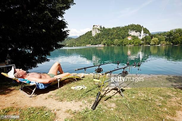 Fischer Entspannung am Ufer des Bleder See