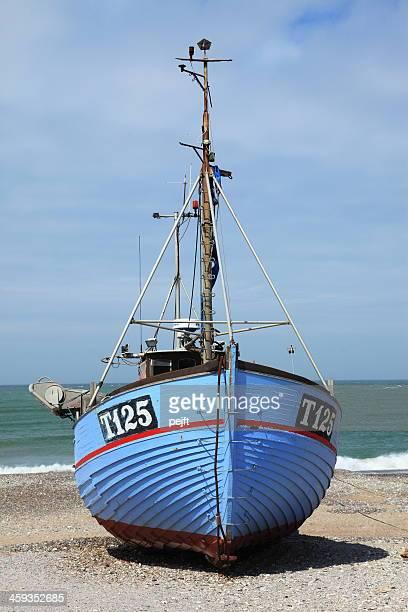 fisherman's boot am strand von nørre vorupør - pejft stock-fotos und bilder