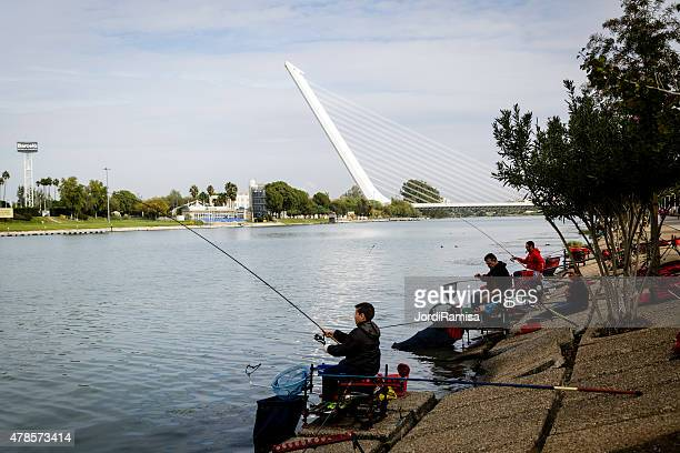 Los pescadores en el río el Guadalquivir