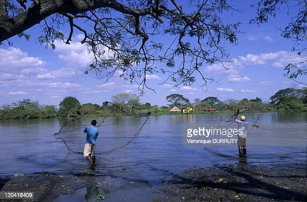 Fishermen of Mompox on an Island of the Magdalena River in Santa Cruz de Mompox Colombia in 2009 Mompox or Mompos or Santa Cruz de Mompox is a town...